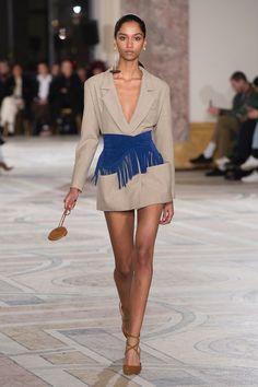 https://www.vogue.com/fashion-shows/fall-2018-ready-to-wear/jacquemus/slideshow/collection #fashiondresses#dresses#borntowear