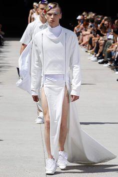 Hood By Air Spring 2016 Menswear Fashion Show