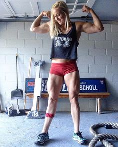 #Repost @sarahschollathlete ・・・ When you are born to run, but love CrossFit @savage_barbell top and shorties, use code Scholl15 for 15% off all....legs, use my lean legs program that can be found under shop in my website www.myathleticadvantage.com WHERE INTENSITY MEETS INTELLIGENCE Link is in my bio #achieve #commit #driven #determined #athlete #crossfit #grit #trainhard #dowork #passion #focus #strong #stronggirls #savage #girlswholift #muscle #mindset #hu...