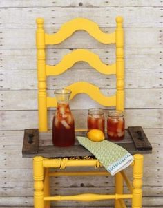 20 Brilliant DIY Pallet Furniture Design Ideas to Inspire You - diy pallet creations Outdoor Pallet Projects, Pallet Crafts, Wood Crafts, Pallet Ideas, Woodworking Guide, Custom Woodworking, Woodworking Projects Plans, Pallet Tray, Palette