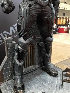 Great Looking Lower Armor Armadura Cosplay, Suit Of Armor, Body Armor, Carapace, Futuristic Armour, Sci Fi Armor, Cosplay Armor, Armor Concept, Tactical Gear