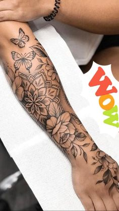 Girl Back Tattoos, Girly Tattoos, Life Tattoos, Body Art Tattoos, Finger Tattoos, Pretty Tattoos For Women, Spine Tattoos For Women, Beautiful Tattoos, Forarm Tattoos