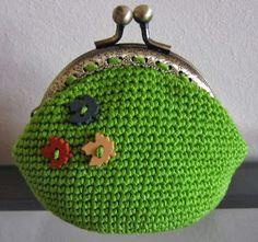witchnofret handcraft: Fall Crochet Purse (purse pattern improved version)
