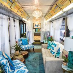 love this vintage bus converted into a home great schulbus umbau ideen f r deinen schulbus. Black Bedroom Furniture Sets. Home Design Ideas
