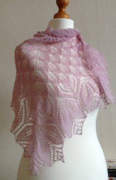 Haruni Hand Knitted Lace Shawl / Wrap in Heather Lace Knitting Patterns, Shawl Patterns, Hand Knitting, Knitted Poncho, Knitted Shawls, Crochet Scarves, Knit Or Crochet, Crochet Gifts, Crochet Shawl