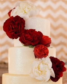 Glittering cake adorned with English cabbage roses #popcake #sweet