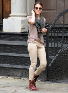 jessica alba- street style- pastel colors- white sunglasses- doc martens maroon combat boots
