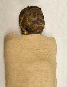 The Royal Mummies and portraits Neo News, Egypt Mummy, Ancient Egypt History, Egyptian Mummies, Egyptian Mythology, African American History, Archaeology, Portraits, Skeletons
