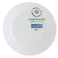 Royal Copenhagen Fluted Signature Dinner plate 27cm