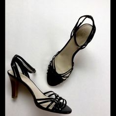 """Ann Taylor Loft Black Heels 🌟Worn once, black scrappy heels. Heels in great condition, measure 3 1/2"""". Not in original box🌟Make an offer using the offer button or take advantage of my bundle discount! 🚫Trades 🚫PP Ann Taylor Shoes Heels"""