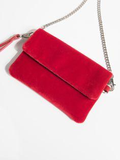 96edb35f28c57 Z2018 Kolekcja jesień-zima 2017/2018 Mała, aksamitna torebka w kolorze  czerwonym.