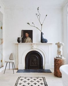 Vintage Home Decor eclectic home with vintage portrait painting on mantel with ceramics.Vintage Home Decor eclectic home with vintage portrait painting on mantel with ceramics. Romantic Home Decor, Classic Home Decor, Cute Home Decor, Classic House, Fall Home Decor, Handmade Home Decor, Home Decor Bedroom, Vintage Home Decor, Cheap Home Decor