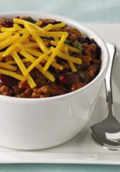 Easy Chili – Who doesn't love a soul-warming, hearty, spicy bowl of chili? That's why we thought there should be a quicker way to prep it. How's 25 minutes sound?