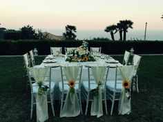 Wedding Day, Wedding table, white chairs, Villa Minuta, Scala, White, Yellow and Orange colors, Olga Studio, Sposa Mediterranea, Federica wedding Planner, sunset