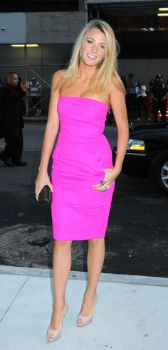 hot pink dress + nude shoes