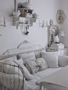 Everybody is always looking to make changes to their home, but the problem is they never. Shabby Chic Cottage, Shabby Chic Homes, Shabby Chic Decor, Interiores Shabby Chic, White Rooms, Shabby Vintage, Home And Deco, Decoration, Living Room Designs