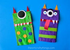 These fun paper bag puppets are a great activity for the whole family to enjoy and they make a great Halloween Craft for kids! Diy Paper Bag, Paper Bag Crafts, Halloween Crafts For Kids To Make, Halloween Fun, Monster Crafts, Paper Bag Puppets, Manualidades Halloween, Puppet Crafts, Diy Origami