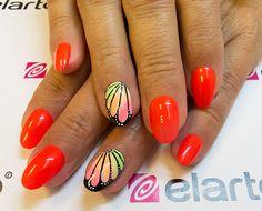 Created by: -Lacogel 534: https://elarto.pl/lakier-hybrydowy-kolorowy-z-brokatem/15488-elarto-lakier-hybrydowy-lakierozel-kolorowy-lacogel-hybrid-nail-color-nr-534.html -Extreme Color Gel 224: https://elarto.pl/zel-kolorowy-z-brokatem/14919-elarto-zel-kolorowy-extreme-color-gel-nr-224-czarny.html  Justyna by elarto.