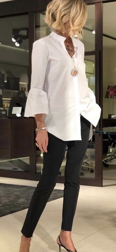 Mode Outfits, Stylish Outfits, Fall Outfits, Fashion Outfits, White Shirt Outfits, Over 50 Womens Fashion, Fashion Over 50, Work Fashion, Bluse Outfit
