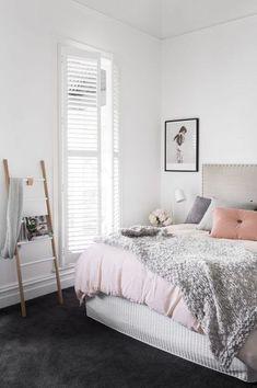 Best bedroom white walls grey carpet guest rooms 31 Ideas Your bed room flooring Dark Grey Carpet Bedroom, Dark Carpet, White Carpet, Gray Bedroom, Trendy Bedroom, Bedroom Decor, Bedroom Ideas, Bedroom Inspo, Pastel Bedroom