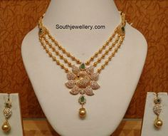 Stunning gold ball necklace set with peacock pendant. The necklace and pendant is studded with precious diamonds and green stones. Indian Jewellery Design, Indian Jewelry, Bijoux En Or Simple, Gold Fashion, Fashion Jewelry, Indian Fashion, Women's Fashion, Fashion Outfits, Ball Necklace