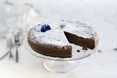 Vapun suosikkisuklaakakku on pehmeän suklainen unelma.