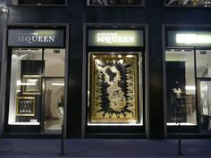 Google Image Result for http://exshoesme.com/wp-content/uploads/2011/06/alexander-mcqueen-milan-boutique-window-with-rug-company-display-on-exshoesme.jpg
