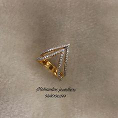 Jewelry Design Earrings, Gold Earrings Designs, Gold Jewellery Design, Gold Jewelry Simple, Gold Rings Jewelry, Vanki Ring, Gold Finger Rings, Gold Ring Designs, Jewelry Model