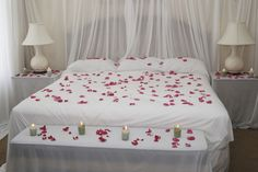 schlafzimmer dekoration zum valentinstag rosa valentinstag pinterest zum valentinstag. Black Bedroom Furniture Sets. Home Design Ideas