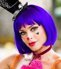 "Makeup carnaval Luciane novela ""A Lei do Amor"" – Grazi Massafera | http://modaefeminices.com.br/2017/02/23/luciane-vestida-de-palhaca-na-novela-lei-do-amor-grazi-massafera/"