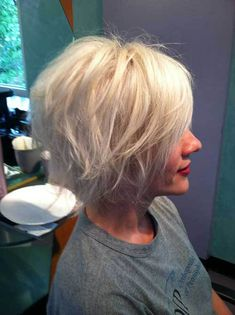 Graduated Bob Hairstyles Are The Latest Trend: #10. Platinum Blonde Bob