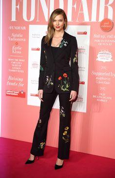 Karlie Kloss à la soirée Naked Heart Foundation Fund Fair à Londres http://www.vogue.fr/mode/inspirations/diaporama/les-meilleurs-looks-de-la-semaine-fevrier-2016/25855#karlie-kloss-la-soire-naked-heart-foundation-fund-fair-londres