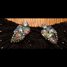 VINTAGE BLUE GLASS ANGEL CLIP ON EARRINGS EARRINGS LOOK LIKE ANGELS THERE BEAUTIFUL ALL THESE GLASS VINTAGE EARRINGS ARE  INCREDIBLE THANK YOU VERY MUCH FOR VISITING MY CLOSET  VINTAGE Jewelry Earrings