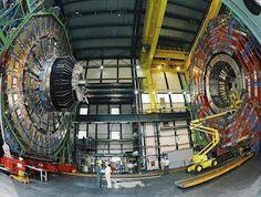 El Gran Acelerador de Partículas (LHC) del Laboratorio Europeo de Física Nuclear (CERN) rompió un nuevo récord mundial de energía, sólo seis semanas después de que empezara a funcionar tras la parada técnica que realizó para recibir mantenimiento.