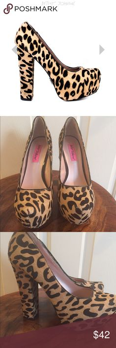 Betray Johnson Sophia's L Cheetah Print Pumps sz8 They're a size 8, I'm an 8.5. I love them but they just don't fit. Betsey Johnson Shoes Heels
