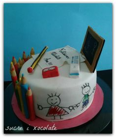 Teacher cake - like the white fondant and have kids color pics in edible markers. Teacher Birthday Cake, Teachers Day Cake, Teacher Cakes, Buttercream Cake, Fondant Cakes, Cupcake Cakes, Graduation Cake Designs, Cake Designs For Kids, Artist Cake