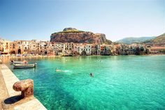 Explore Sicily holidays and discover the best time and places to visit. | Eternal crossroads of the Mediterranean, the gorgeous island of Sicily continues to seduce travellers with its dazzling diversity of landscapes and cultural treasures.