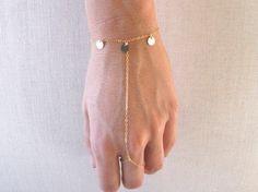 Bracciale alla schiava - catena della mano / / oro 14k delicato riempito Bracciale dischi dito anello catena e paillettes