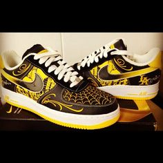 Livestrong x Mister cartoon x Nike airforce 1 by Custom Painted Shoes, Custom Shoes, Jordan Shoes Girls, Girls Shoes, Futuristic Shoes, Sneakers Fashion, Sneakers Nike, Nike Shoes Air Force, Nike Airforce 1
