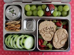 Hulk and Spidey lunch for a preschooler. Hulk LOVE bento boxes!