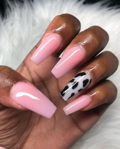 Image uploaded by suga_dumplin. Find images and videos about black and white, nails and pink nails on We Heart It - the app to get lost in what you love. White Acrylic Nails, Best Acrylic Nails, Summer Acrylic Nails, Pastel Nails, Soft Pink Nails, Pink White Nails, Cute Pink Nails, Pink Acrylics, Cow Nails