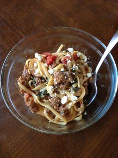 Italian Wonderpot - filling and healthy with whole wheat pasta, ground turkey, fresh spinach and of feta. It makes about and can be halved. Slow Cooker Casserole, Pasta Casserole, Slow Cooker Pork Tenderloin, Pork Tenderloin Recipes, Turkey Pasta, Whole Wheat Pasta, Cooking Recipes, Healthy Recipes, Healthy Food