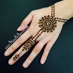 simple hands easy and beautiful henna image bridal motif henna hand image latest henna simple motif is simple henna is simple and easy simple beautiful Pretty Henna Designs, Finger Henna Designs, Mehndi Designs For Beginners, Mehndi Designs For Fingers, Best Mehndi Designs, Hand Designs, Henna Tattoo Designs Simple, Mehndi Simple, Simple Henna Art