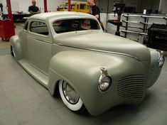 LOWTECH :: traditional hot rods and customs: dutch dynamite: '41 plymouth