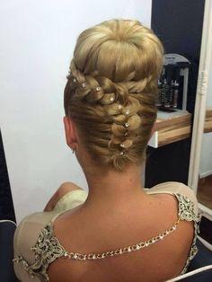 Wedding Hairstyles - A Bride's Bridal Hair Braided Bun Hairstyles, Girl Hairstyles, Wedding Hairstyles, Braided Buns, Evening Hairstyles, Bridal Hairstyle, Peinado Updo, Natural Hair Styles, Long Hair Styles