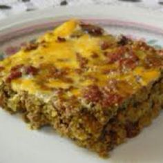 Bobotie - Low Carb - this Indonesian curried meat loaf is to South Africa what Moussaka is to Greece and Lasagne is to Italy. To make recipe Paleo, I leave out bread and milk and add honey instead of artificial sweetener. Banting Diet, Banting Recipes, Meat Recipes, Low Carb Recipes, Cooking Recipes, Healthy Recipes, Recipies, Yummy Recipes, Meatloaf Recipes