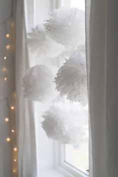 BLOG: mariannedebourg.no / Instagram: @mariannedebourg Christmas Diy, Christmas Decorations, Paper Pom Poms, How To Make Paper, Mittens, Diy And Crafts, Blog, Instagram, Decorating Ideas
