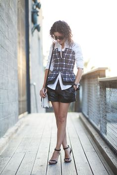 Layer a bustier over a top for structure #LoveTheLook @AlteratnsNeeded