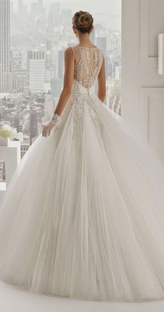 Gorgeous Heavy Wedding Gown Designs (9)