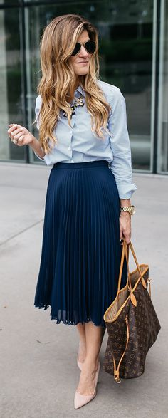 How To Incorporate Trends At Work - Dressing Stylish Yet Professional
